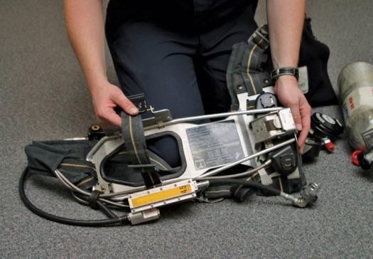 komponen self contained breathing apparatus (scba)